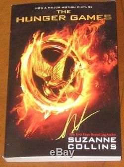 Liam Hemsworth SIGNED THE HUNGER GAMES Book 1st Edition Video Proof Gayle Auto