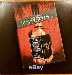 Motley Crue Band SIGNED Hardcover The Dirt Book First Edition 2001 Look