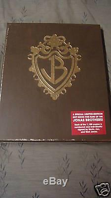 New SIGNED JONAS BROTHERS BURNING UP BOOK LIMITED EDITION Joe Nick Kevin 1/1