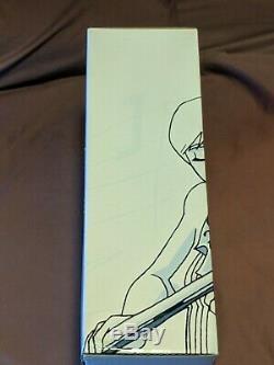SIGNED+SEALED Umbrella Academy Apocalypse Suite special edition book/figure set
