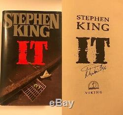 STEPHEN KING signed hardcover book IT 1ST EDITION / 1ST PRINTING RARE